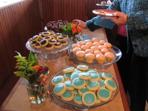 Lovely turquoise cookies and other goodies.